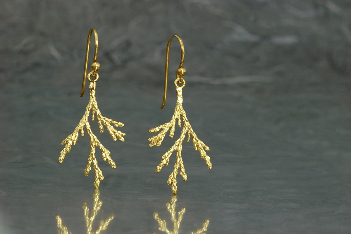 TUYA - Dangle earrings ref.M with gold plated finish