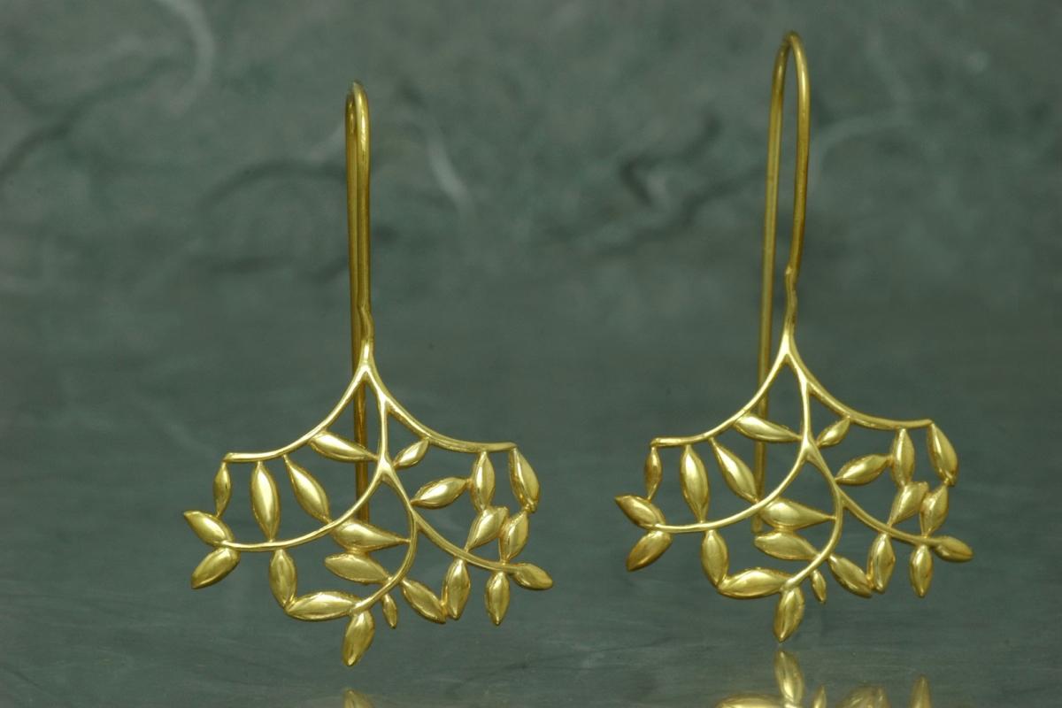 FENTO - Pendientes G de gancho fijo, con acabado chapado en oro