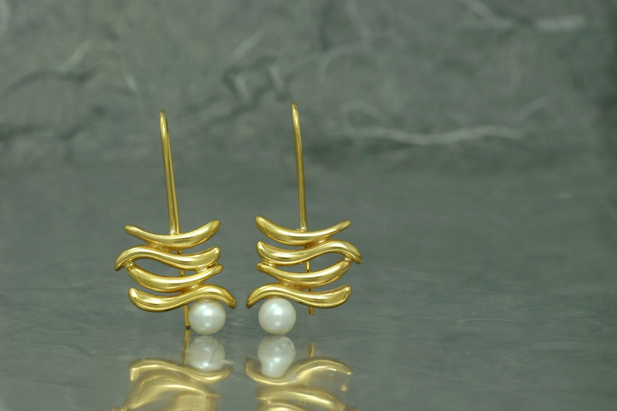 ZIGNUS - Fixed hook Earrings G, with pearl and gold plated