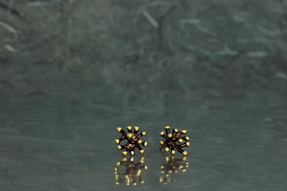 ANEMONA - Pendientes de presión, ref.P, con acabado galvanizado y chapado en oro