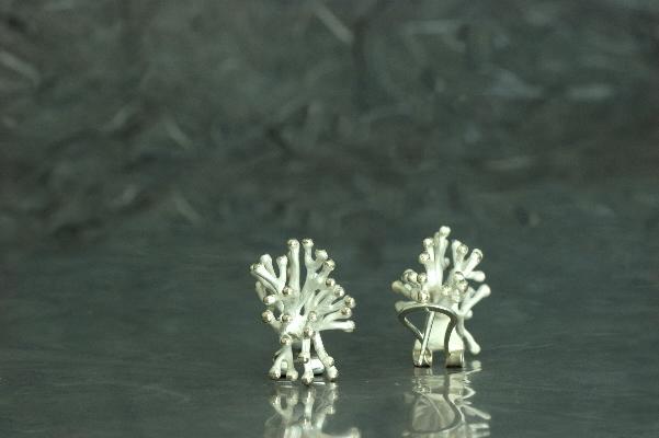 ANEMONA - Pendientes de gancho Omega, ref. M, con acabado galvanizado