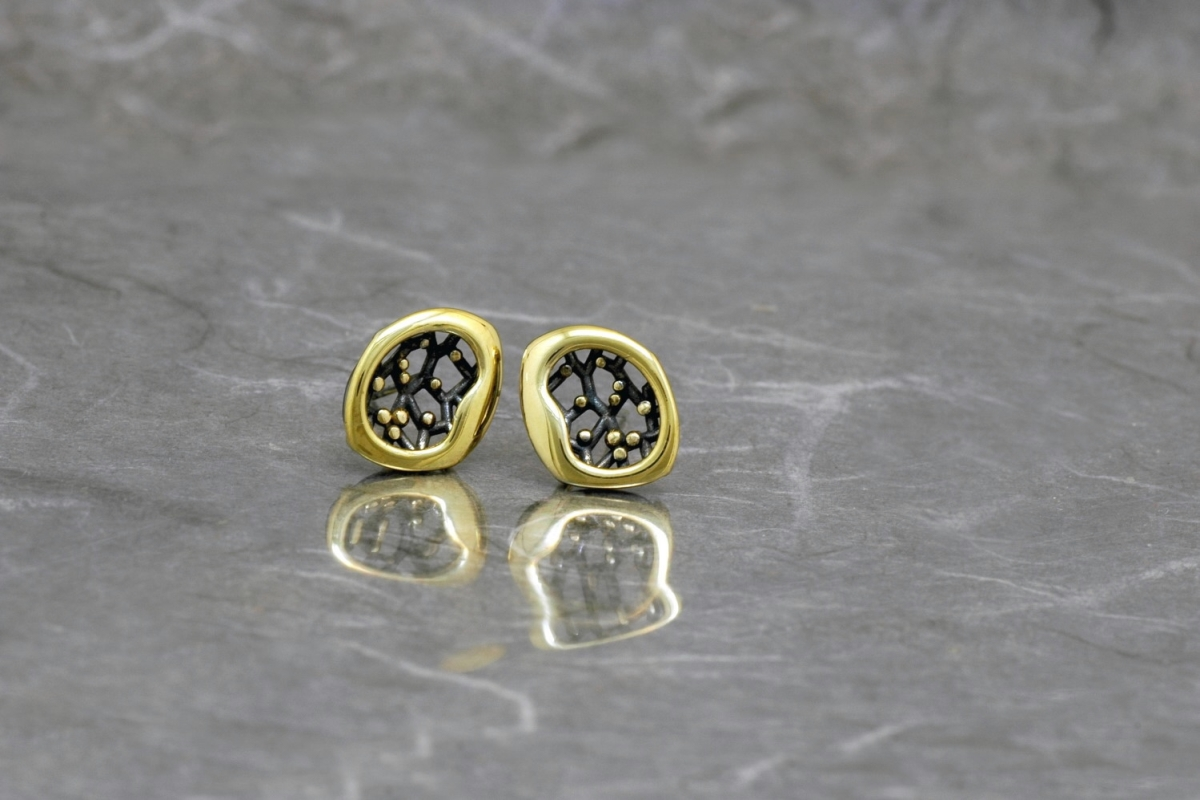 CASIOPEA DOBLE - Stud Earrings PP, with galvanized finish and gold plated - Galicia Calidade