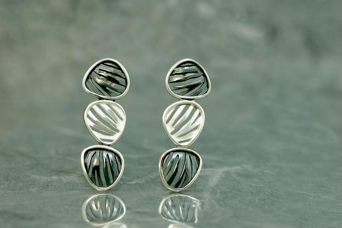 ESLABON CEBRA II - Triple Earrings PP, with galvanized finish
