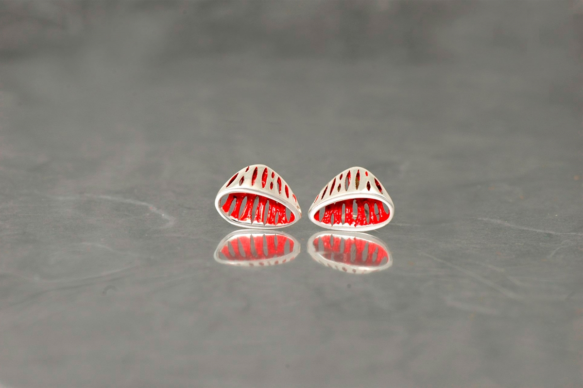 AVATAR - Stud Earrings PP, with galvanized and shiny finish
