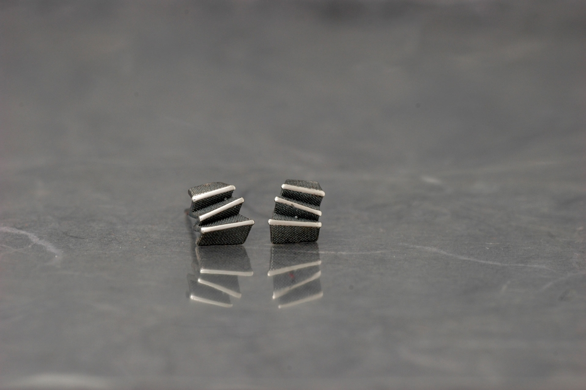 ORIGAMI - Stud Earrings PP, with oxidized silver finish