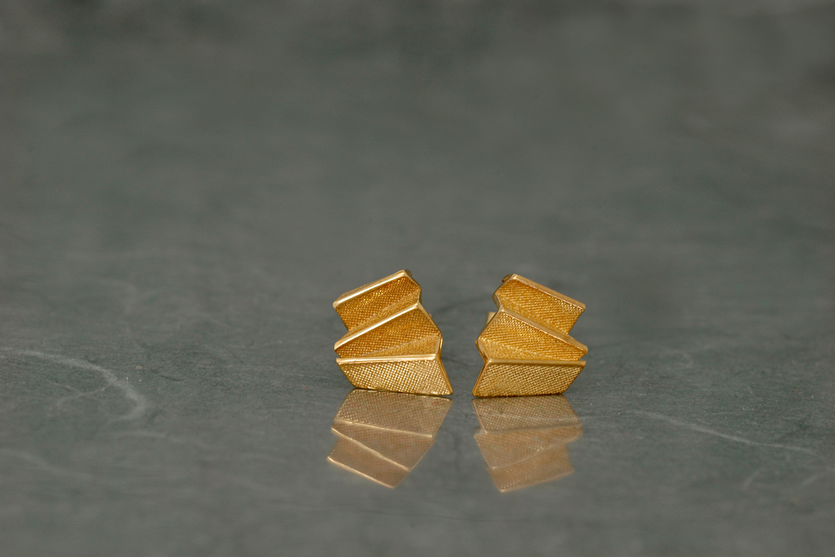 ORIGAMI - Stud Earrings P, gold plated