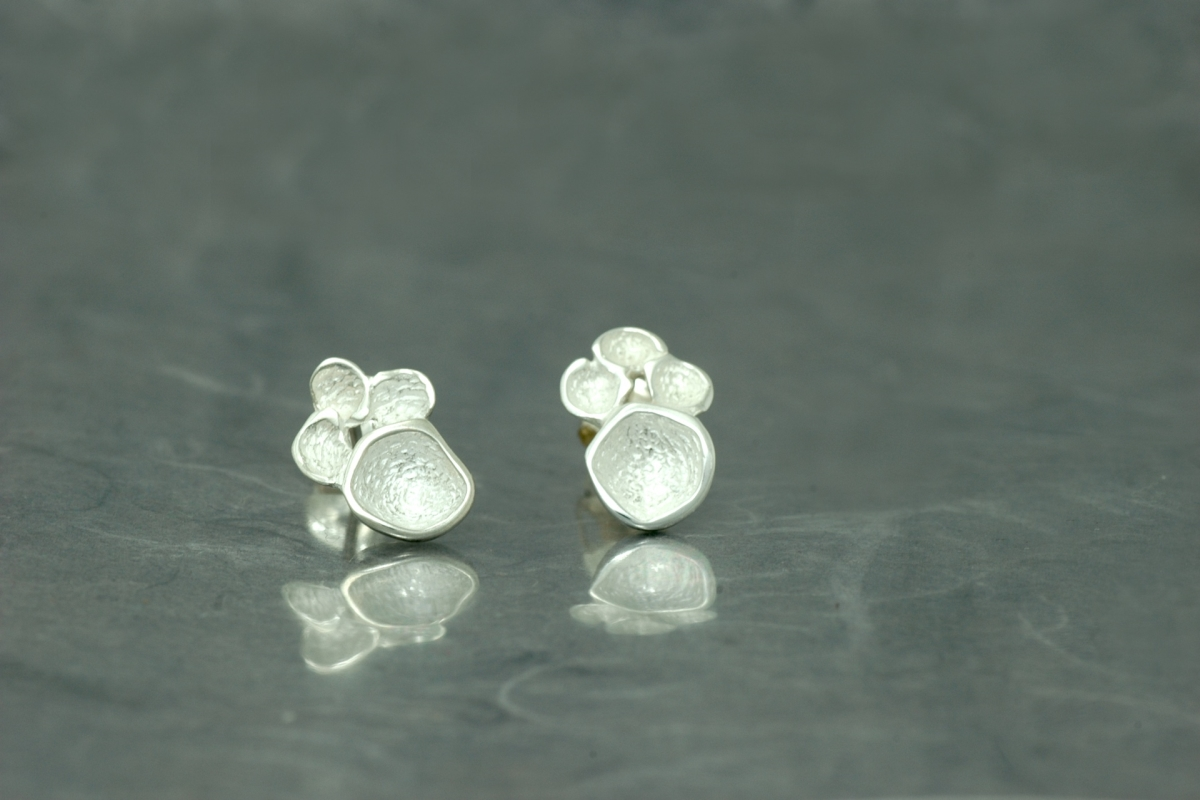 DREAM - Stud Earrings PP