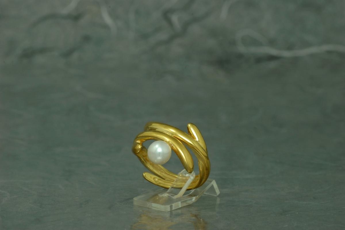 POLA - Anillo SG, con perla y acabado chapado en oro