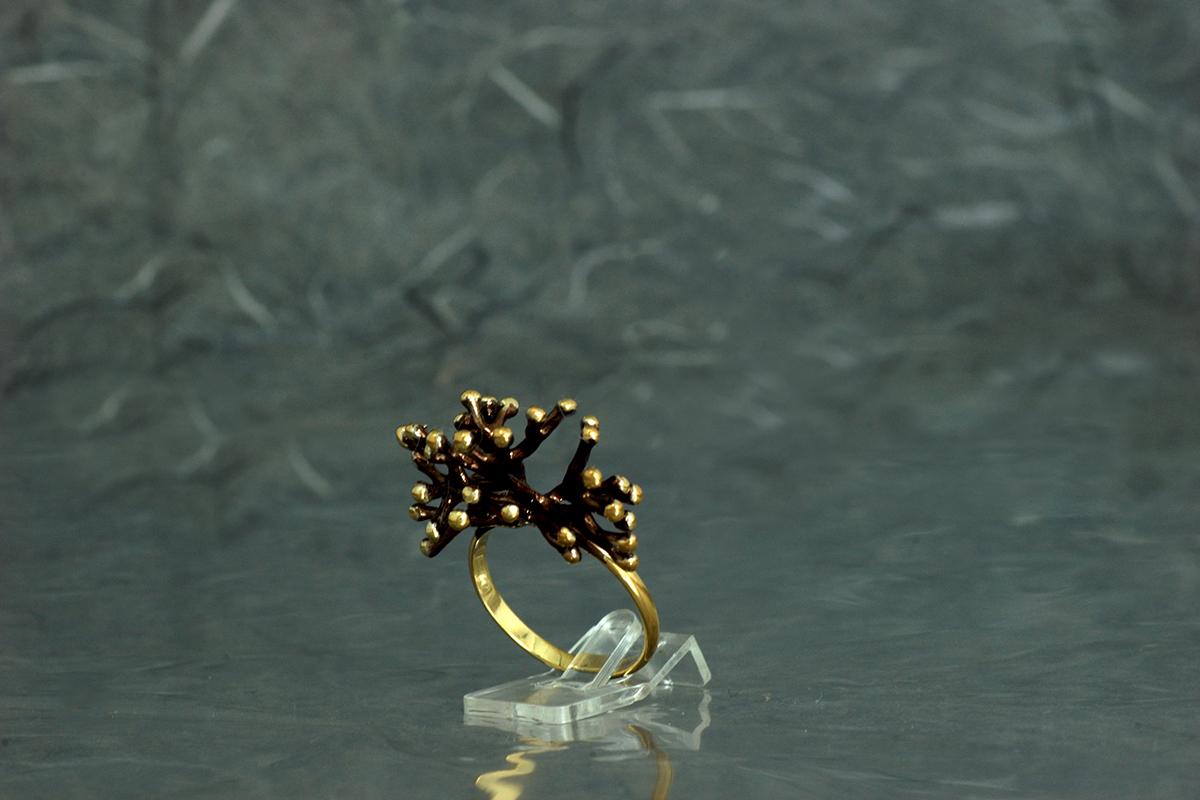 ANEMONA - Sortija ref. M, con acabado galvanizado y chapado en oro