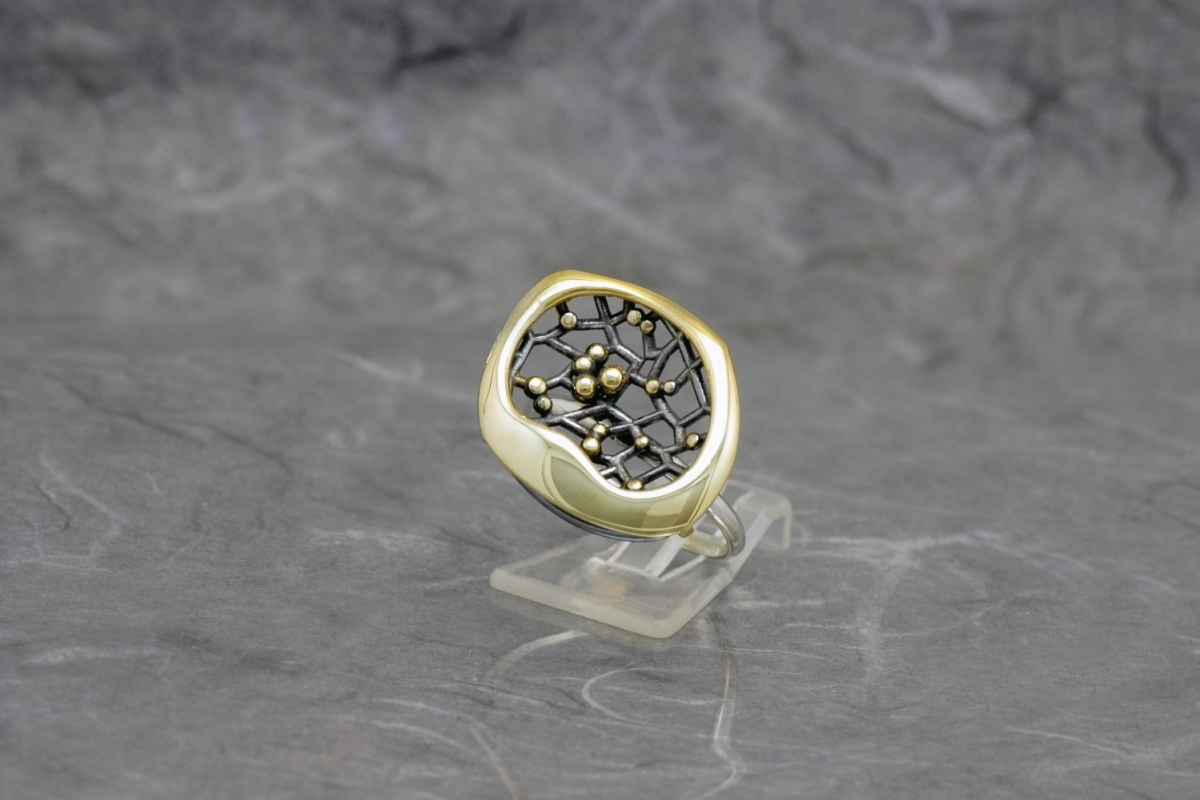 CASIOPEA DOBLE - Ring P, with galvanized finish and gold plated - Galicia Calidade