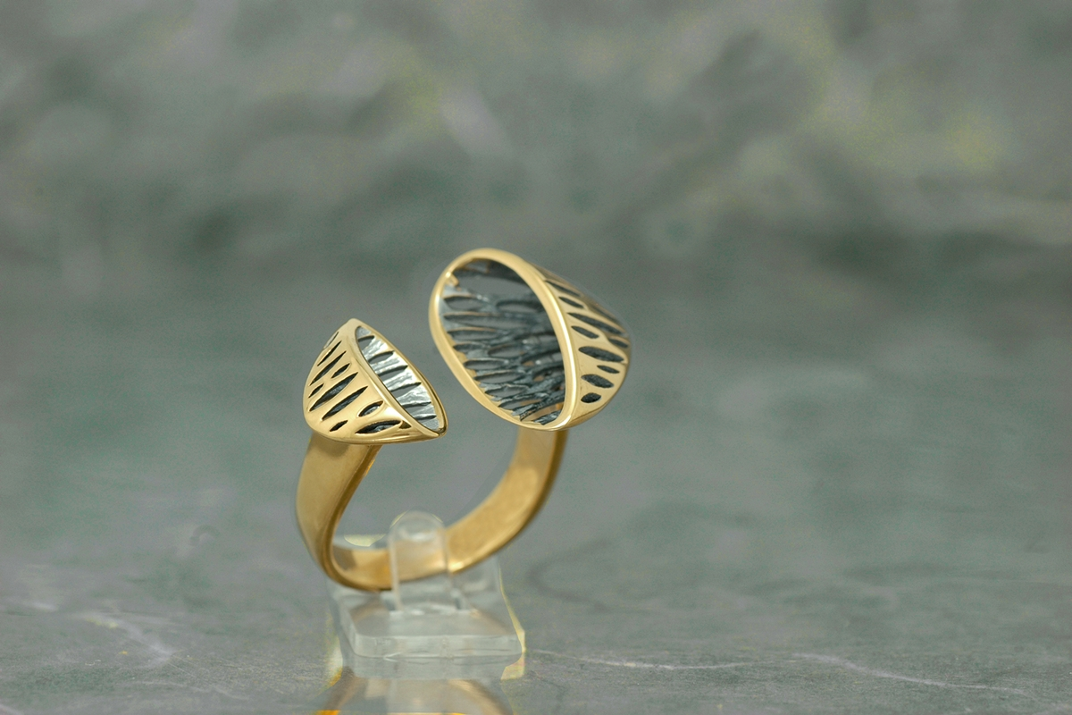 AVATAR - Ring Torque P, with galvanized finish and gold plated