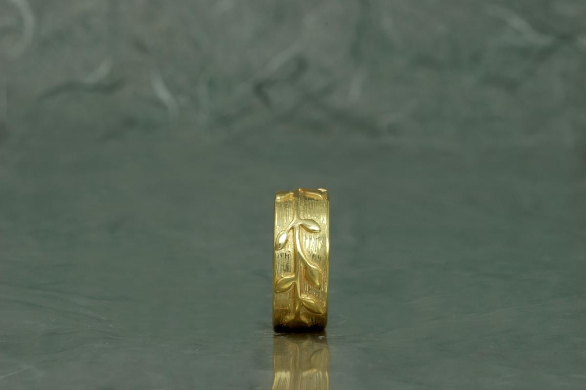 BAMBU - Alianza SG, con acabado chapado en oro
