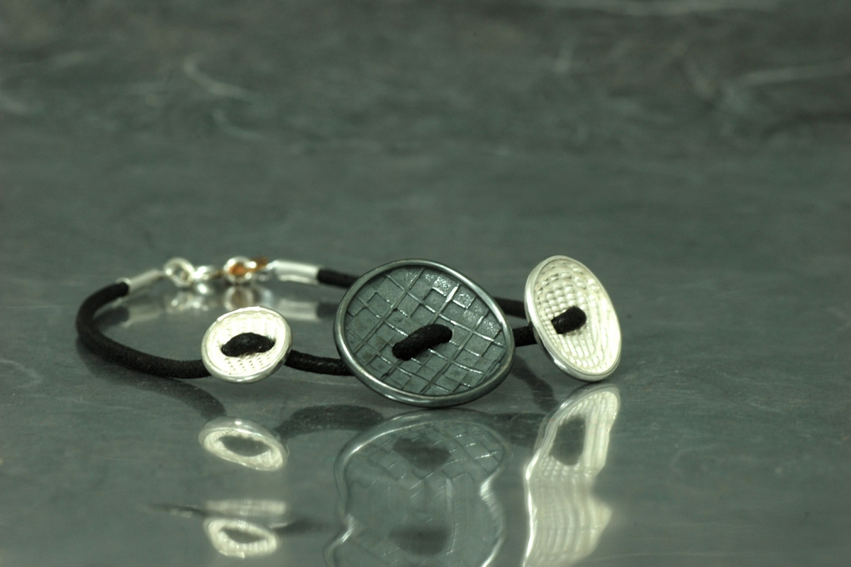 COUTURE - Bracelet G, with leather and galvanized finish