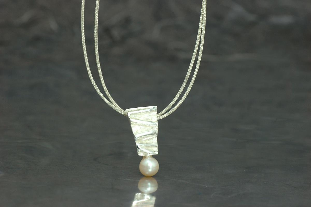 VIVALDI - Colgante P con perla