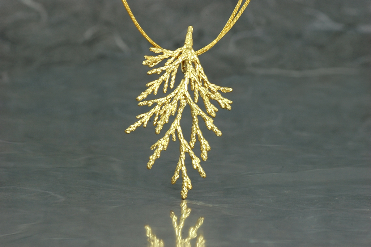 TUYA - Colgante SG con acabado chapado en oro