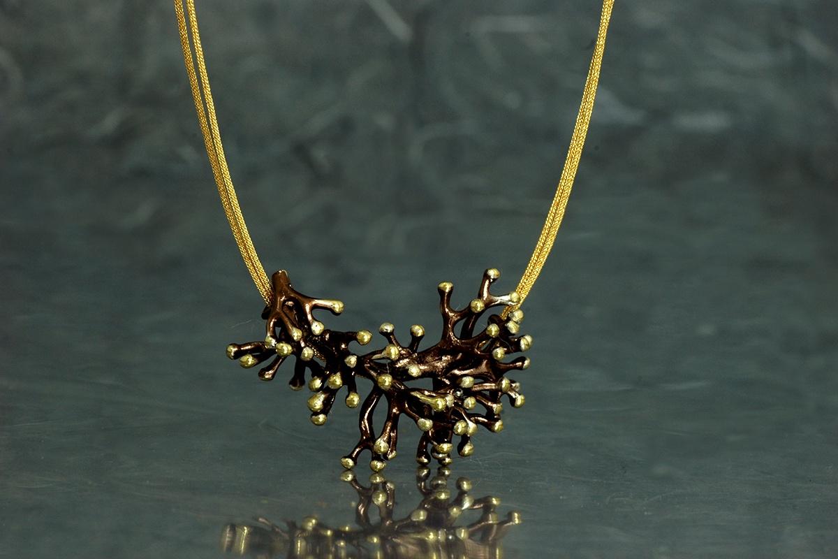 ANEMONA - Colgante ref. SSSSG, con acabado galvanizado y chapado en oro