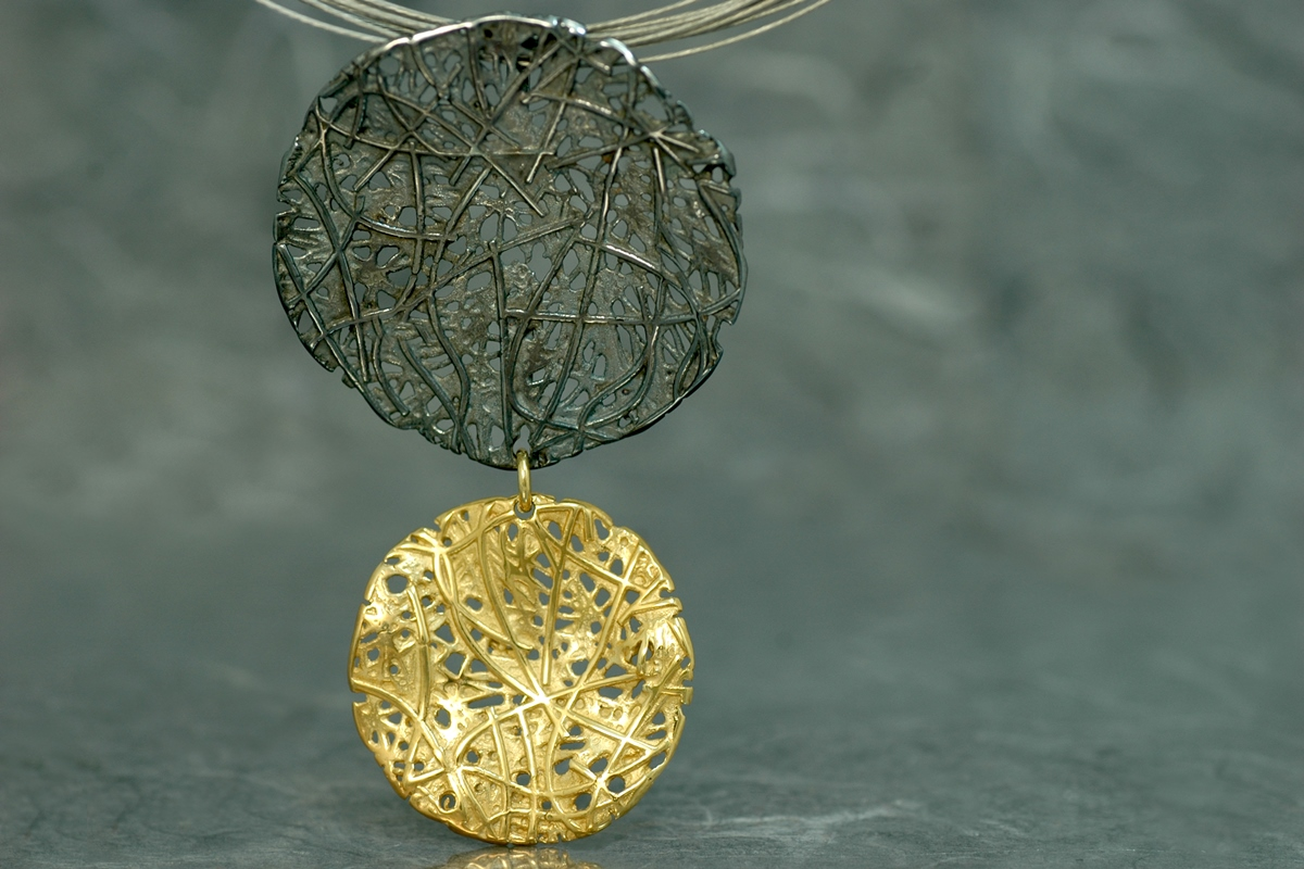 EVOQUE DOBLE - Pendant ref.G goldplated and silver oxidized