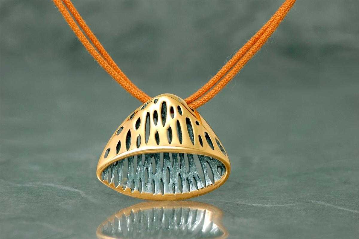 AVATAR - Colgante SSG, con acabado galvanizado y chapado en oro