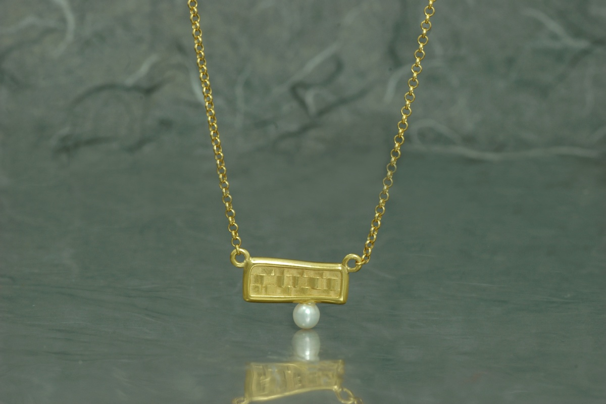 Gold plated necklace with pearl - P model
