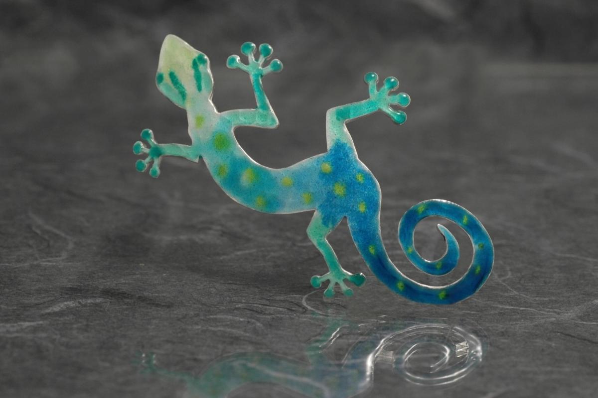 MYZOO - Broche SG Salamandra, con esmalte al fuego